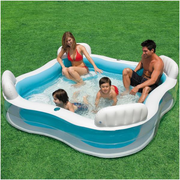 intex schwimm center family lounge pool mit 4 sitzecken 229 x 229 cm bei spielzeug24. Black Bedroom Furniture Sets. Home Design Ideas